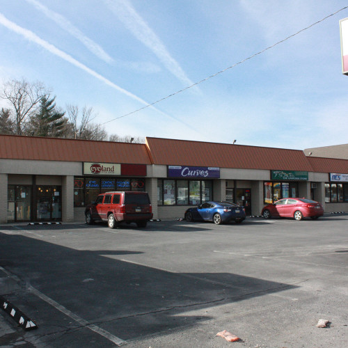 Retail/Office Space in Olympia Plaza
